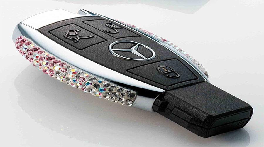کلید های هوشمند یکی از جدیدترین سیستم ها با ایمنی بالا برای خودروها هستند