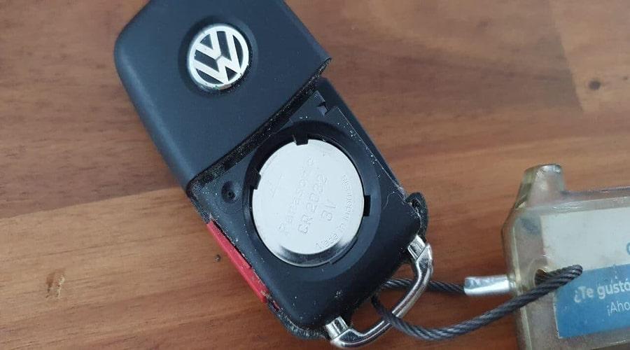 تعویض باتری های داخل کلید ریموت